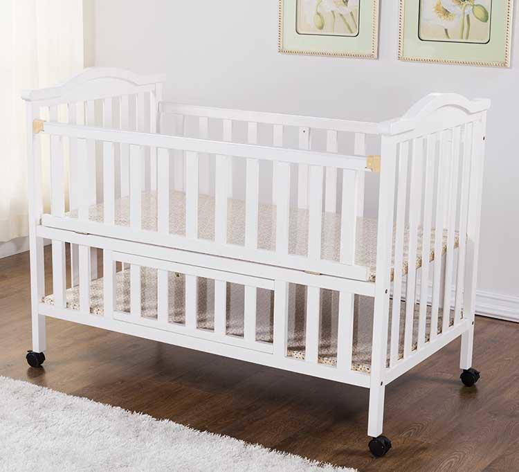 Factory Price White Color Solid Wood Baby Crib with SASO certificate Wholesale-Aoqi